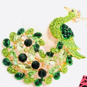 BETSEY JOHNSON RHINESTONES PEACOCK NECKLACE 🌿🆕🌿
